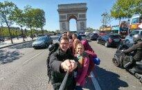 Meklējot pavasari: latvieši ar stopiem izbraukā Eiropas vidieni no Milānas līdz Parīzei