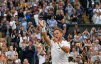 ВИДЕО: Как скромный детский тренер взорвал теннисный мир