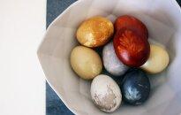 Eksperiments: Krāsojam Lieldienu olas ar virtuvē atrodamām izejvielām