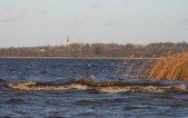 На озере Буртниеку утонул рыбак