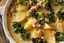 Kartupeļu piena zupa ar kale kāpostu un itāļu desu