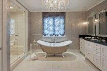 Minimālisms, personīgais spa un luksusa greznība – slavenību idejas vannasistabu interjerā