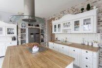 Dzīvot viegli un bezrūpīgi – 10 mājokļi itāļu gaumē