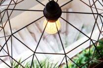 Dizaina šedevri minimālisma stilā – ģeometriskie gaismekļi