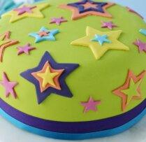 Zvaigžņotā šokolādes torte jubilāram