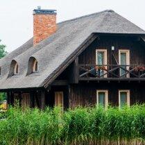 Тростниковая крыша в латвийских условиях: плюсы, минусы, подводные камни и особенности