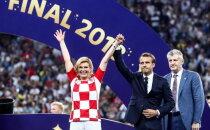Futbola līdzjutējus aizkustina Horvātijas prezidentes sirsnīgā fanošana