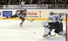 Rīgas 'Dinamo' KHL Rietumu konferencē nodrošina septīto vietu