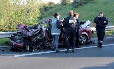 Policija Francijā dzenas pakaļ cilvēku kontrabandistiem; viens bojā gājušais