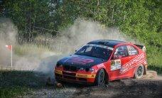 Foto: Ar kvalifikācijas posmu sācies 'Rally Talsi'