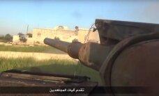 Video: 'Al Nusra' parāda, kā liek bailēs bēgt Asada karotājiem
