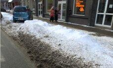 Juris Zvirbulis: Autostāvvietas jāatbrīvo no sniega!