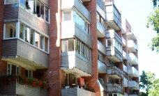 Sociālais eksperiments: Vai rīdzinieki reaģē uz zagļu ielaušanos svešā dzīvoklī?