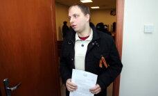"""Повреждение выставки """"Люди Майдана"""": суд отпустил Букайна"""
