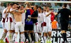 Foto: Latvijas futbolistu līksme pēc neizšķirta Turcijā