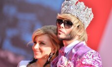 Krāšņi dekoltē un spozme: tā pucējas Krievijas zvaigznes