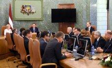 Neraugoties uz atsevišķu ministru kritiku, izmaiņas valdības sastāvā nav gaidāmas