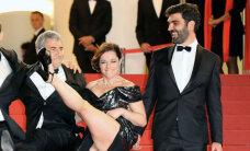 Franču aktrisei Kannās pazib pati intīmākā ķermeņa vietiņa