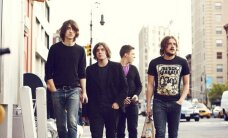 Albuma apskats: Arctic Monkeys 'Suck It and See'