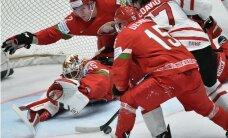Kanādas izlase 'saber' astoņas ripas baltkrieviem un izcīna 'sauso' uzvaru