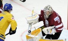 Latvijas hokeja izlase ar skaistu spēli tikai pagarinājumā piekāpjas Zviedrijai
