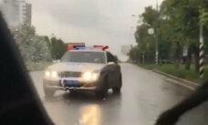 Video: Pasauli šokē krievu oligarha dēla ņirgāšanās par policistiem