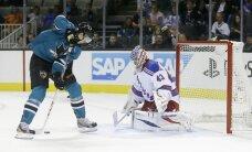 Čehu jaunais hokeja talants Hertls atkārto 'Sharks' rekordu