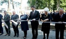 Foto: Kā amatpersonas atklāja NATO Stratēģiskās komunikācijas izcilības centra jauno ēku