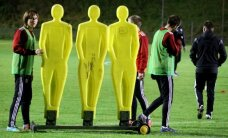 Foto: Latvijas futbola izlase aizvadījusi pirmo treniņu Amsterdamā