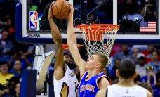 Porziņģa 'double-double' un trīs bloķēti metieni neglābj 'Knicks' no zaudējuma