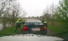 Video: Piedzēries BMW vadītājs Lietuvā bēg no policijas