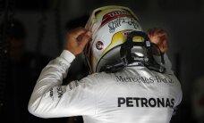 Hamiltons gūst uzvaru arī Bahreinas F-1 posma kvalifikācijā