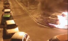 Video: Huligāni Astrahaņā nodedzina baltu 'BMW X6'