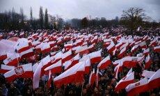 EK sāk izmeklēšanu par likuma varas ievērošanu Polijā