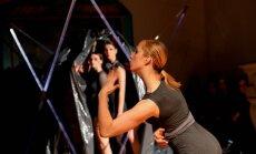 Koklētāja Laima Jansone un laikmetīgā deja Smiļģa muzejā