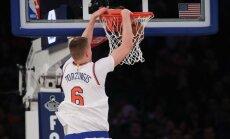 Milzu reklāma Ņujorkā aicina 'Knicks' neaizmainīt Porziņģi