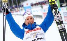Izcilā Bjergena triumfē 30 kilometru distancē, izcīnot astoņpadsmito PČ medaļu