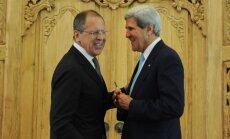 Kerijs Lavrovu brīdina par jaunām sankcijām
