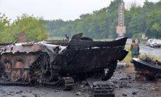 Pie Horļivkas iznīcinātas 10 kaujinieku bruņumašīnas ar ekipāžām; krituši 13 karavīri