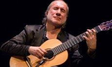 Rīgā uzstāsies ģitārspēles virtuozs Kike Sinēzi un čellists Ruslans Viļenskis