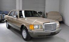 Foto: 33 gadus rūpīgi glabāts 'Mercedes-Benz 300SD'