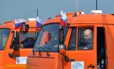 Video: Putins ar 'Kamaz' atklāj tiltu starp Krieviju un okupēto Krimas pussalu