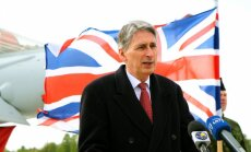 Par Lielbritānijas ārlietu ministru kļūs eiroskeptiķis Hamonds