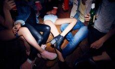 Kā veidot sarunu ar pusaudzi par alkohola lietošanu un kāpēc tas vispār jādara