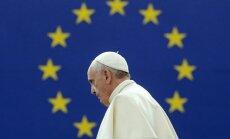 Eiropa ir 'izvārgusi' un 'zaudē dvēseli', Strasbūrā brīdina pāvests Francisks