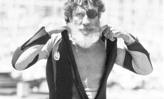 94 gadu vecumā miris hidrotērpa izgudrotājs Džeks O'Nīls