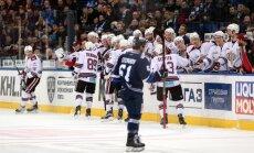 Rīgas 'Dinamo' sezonas garāko KHL izbraukumu noslēdz ar emocionālu uzvaru Minskā