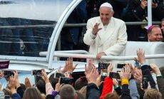 ВИДЕО: Папа Римский на вертолете прилетел в Аглону; идет Святая Месса