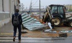В результате урагана в Москве погиб ребенок и пострадали 12 человек