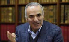 Kasparovs aicina ārvalstu politiķus neapmeklēt Pasaules kausu futbolā Krievijā